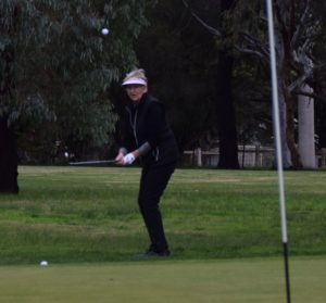 Robyn Baker chips from the fairway